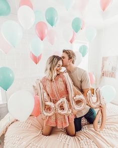 Cutest pregnancy announcement by Aspyn Ovard and Parker Ferris! Published May 2019 Written by Admin Aspyn Ovard Pregnancy Announcement! Baby Announcement Photos, Pregnancy Announcement Photos, Pregnancy Tips, Announce Pregnancy, Cute Pregnancy Pictures, Rainbow Baby Announcement, Cute Baby Announcements, Funny Pregnancy, Pregnancy Workout