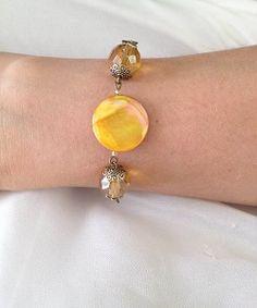 Here comes the sun armband! Deze zelfgemaakte armband is nu te koop in de sieraden webshop van Ekster Jewels. Zie ook de bijpassende oorbellen. www.eksterjewels.nl