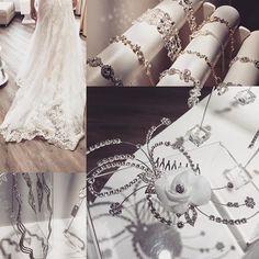 Rozjasněte se ve svůj dlouho očekávaný svatební den! Lahodit nejen Vašemu oku bude naše novinka a to v podobě šperků od luxusní italské značky Anna Bella. Budeme se těšit na Vaší návětšvu. Vaše MAGGIE  #svatba_maggie #jewelry #praguewedding #svatba #love #maggiesottero #svatebnisaty #shine