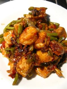 Sambal Tofu Goreng (Shrimp) I've always liked Malay food and this is one of those dishes I like to order when I am at any Malay store and I've never thought about . Prawn Recipes, Tofu Recipes, Spicy Recipes, Seafood Recipes, Indian Food Recipes, Asian Recipes, Vegetarian Recipes, Cooking Recipes, Healthy Recipes