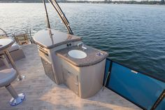 The SES model from Manitou Pontoon Boats offers unique floor plans with features including a grill, sink, bar and redesigned seating. The SES is the perfect combination of performance with luxury. Manitou Pontoon, Luxury Pontoon Boats, Unique Floor Plans, Boat Stuff, Set Sail, High Resolution Photos, Water Sports, Sailing, Patio