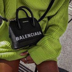 Pretty Handbag You Gotta Have for Preppy Outfits Balenciaga Handbags, Balenciaga Bag, Burberry Handbags, Balenciaga Clothing, Cute Purses, Cute Bags, Black Purses, Pink Purses, Looks Style