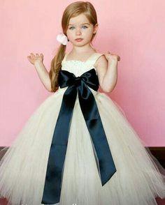 e738a3e2a Dónde comprar vestidos para niña. Los mejores vestidos para la engreída de  la casa Encontrar los vestidos perfectos para tu niña no es tarea fácil
