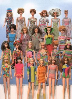 vintage Barbies I had the Barbie in the front row, from the left in bright pink. She was my first Barbie. I got her for my birthday. She talked. Had the pull string on the back of her neck. Play Barbie, Barbie I, Barbie World, Barbie And Ken, Barbie Clothes, Barbie Stuff, Manequin, Barbie Family, Poppy Parker