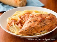 Creamy Tomato Slow-Cooker Chicken. Spend ten minutes assembling these ingredients in the morning, and come home to a ready-to-eat chicken dinner. It's deli