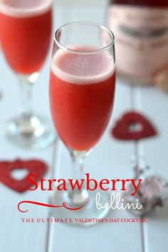 Strawberry Bellini - www.naturalfitfoodie.com This Strawberry Bellini is the ultimate Valentine's Day Cocktail!