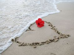 On a day like today We pass the time away Writing love letters in the sand. How you laughed when I cried Each time I saw the tide Take our love letters from the sand. I Love Heart, Love Kiss, My Heart, My Love, Heart Gif, Beach Heart, Ocean Heart, Sunshine Heart, Imagenes De Amor