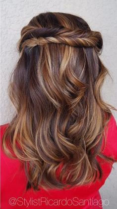Wood grain brown warm balayage hairstyle