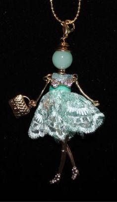 Collier Motif Poupée Nouveauté | eBay
