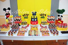 Mesa Mickey Mouse Desserts, Fiesta Mickey Mouse, Mickey Mouse Cake, Mickey Mouse Parties, Mickey Party, Mickey Mouse Baby Shower, Mickey Mouse Clubhouse Birthday Party, Mickey Birthday, Mickey Clubhouse