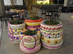 bygardendawn in recycling in the garden : Chic tire planters at Chicago Flower Garden show image by Dawn Sherwood Garden Crafts, Garden Projects, Diy Projects, Garden Ideas, Reuse Old Tires, Reuse Recycle, Recycled Tires, Recycled Planters, Reduce Reuse