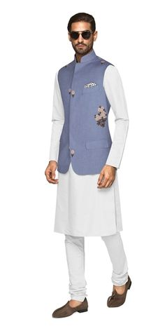 Our Thun Nehru Vest has been adorned with simple, timeless detailing that helps this piece stand out of the crowd. Indian Formal Wear, Indian Wear, Indian Style, Wedding Dresses Men Indian, Wedding Dress Men, Custom Tailored Suits, Gents Kurta Design, Made To Measure Suits, Indian Fashion