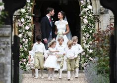 Fans have an unexpected reaction to Pippa Middleton's wedding gown as she marries James Matthews with sister Kate Middleton at her side Pippas Wedding, Wedding Of The Year, Wedding Gowns, Wedding Photos, Wedding Ceremony, Wedding Flowers, Wedding Outfits, Wedding 2017, Wedding Trends