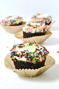 The tastiest (and easiest) allergen-friendly chocolate cupcakes!