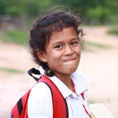 Niña apureña al salir de la escuela #retrato #portrait #Venezuela #Llanos #tbt #instalike #instadaily #instamood #instahub #instagood #instacool #instafoto #foto #photography #instapic #photooftheday #picoftheday #photographer #FotografosDeCaracas #FotografosDeVenezuela #igers #igersvzla #igersvenezuela #igersven #iv_zeuscronos #Zeuscronos