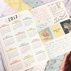 The future log in your bullet journal gives you a yearly overview of the year. See how to set up a bullet journal future log or use my free PDF pritnable. The BEST bullet journal ideas. Planner Bullet Journal, Bullet Journal Notes, Bullet Journal Ideas Pages, Bullet Journal Spread, Bullet Journal Layout, My Journal, Life Planner, Bullet Journal Year At A Glance, Calendar Journal