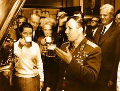 "ГАГАРИН И КРАФТ! Вот даже Юра пьёт #крафтовоепиво и говорит мол: "" Ну могут ведь…"