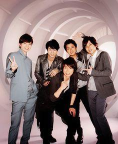 look it is the Asian Jonas Brothers Ninomiya Kazunari, Japanese Boy, Jonas Brothers, My Sunshine, Sanrio, Boy Bands, Handsome, Celebrity, Asian