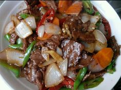 Beef with Chinese onions - Thai Recipes, Asian Recipes, Beef Recipes, Wok, Barbecue, Stew, Bacon, Food Porn, Recipes