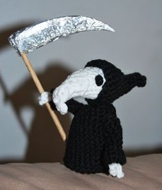 Death of Rats amigurumi (from the Discworld books by Terry Pratchett)