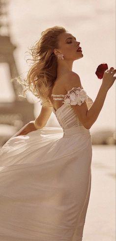 French Chic, Runway Fashion, Paris Fashion, Street Chic, Amazing Women, Classy, Bride, Celebrities, Wedding Dresses