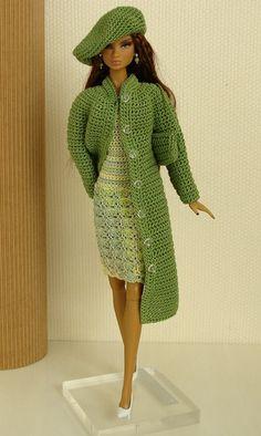 Agulhas Encantadas: Casaco para Barbie com vídeo aula!