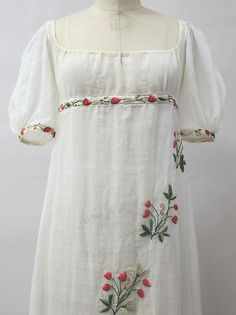 1805 Culture: French Medium: cotton, wool, metal Dimensions: Length at CB: 52 in. Historical Costume, Historical Clothing, Historical Dress, 1800s Fashion, Vintage Fashion, Regency Dress, Regency Era, Period Outfit, Costume Institute