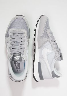 Nike Sportswear INTERNATIONALIST - Sneaker - wolf grey/summit white/pure platinum/cool grey - Zalando.de
