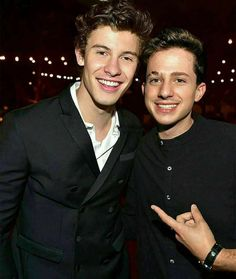 Shawn Mendes with Charlie Puth Shawn Mendes, Charlie Puth, Cute Celebrities, Celebs, Shawn And Camila, Mendes Army, Dear Future Husband, Celebrity Crush, Hot Guys