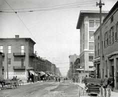 "Vicksburg, Mississippi, circa 1910. ""Washington Street."" 8x10 inch dry plate glass negative, Detroit Publishing Company"