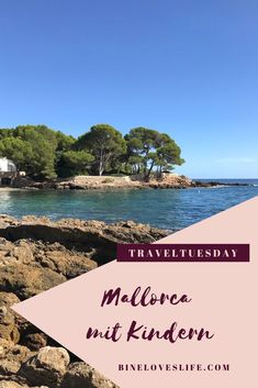 Mallorca mit Kindern – BineLovesLife.com Hotels, Strand, Movie Posters, Movies, Traveling With Baby, Traveling With Children, Second Child, Spain, Travel Destinations