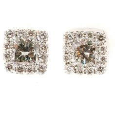 Preowned Hearts On Fire Dream Fulfillment Diamond Gold Stud Earrings ($2,235) ❤ liked on Polyvore featuring jewelry, earrings, multiple, gold stud earrings, white stud earrings, white gold earrings, square diamond earrings and diamond heart earrings