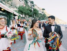 Italian wedding inspiration - destination wedding idea - Click for more Italian wedding ideas! {Francesco De Tito} Italian Wedding Themes, Italian Wedding Cookies, Italian Theme, Seaside Wedding, Italy Wedding, Events Place, Getting Married In Italy, Sand Ceremony, Wedding Place Settings
