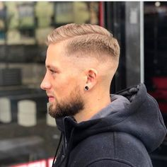 Mens hair on the whole - Beard Tips Barber Haircuts, Cool Haircuts, Haircuts For Men, Hairstyle Names, Boy Hairstyles, Hair And Beard Styles, Short Hair Styles, Beard Tips, Faded Hair