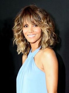 Halle Berry Has a New Hair Color?See Her as a Blond: Lipstick.com
