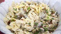 Italian classics with a (vegan) twist: Bow ties in garlic cream sauce, lasagna