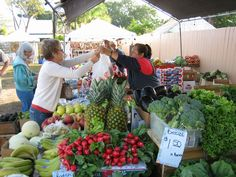 If it's Saturday, it's the Bridge Street Farmer's Market on Anna Maria Island FL
