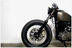 1984 Yamaha SR400 - ZokuMotorcycles - Pipeburn - Purveyors of Classic Motorcycles, Cafe Racers & Custom motorbikes
