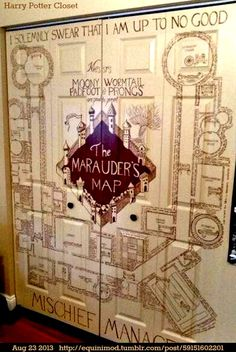 The marauder's map hanf painted closet door -- harry potter,, home decoration, diy Harry Potter Magie, Deco Harry Potter, Harry Potter Nursery, Theme Harry Potter, Harry Potter Merchandise, Hogwarts, Estilo Harry Potter, Scorpius And Rose, Anniversaire Harry Potter