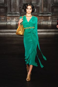 L'Wren Scott Fall 2012 RTW. Wow!! I really want this dress! Love the colors and its beautiful!