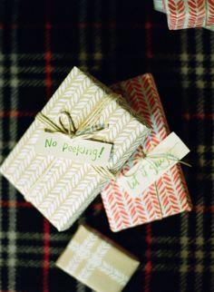 4 Easy Ways to Make Customized Gift Wrap
