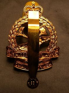 Canadian Soldiers, Canadian Army, Newfoundland, Wwii, Badge, Bronze, Brass, Cap, Antiques