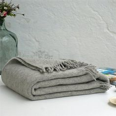 IKIKIZ offers you chic and large wool blankets to stay warm.Gray Wool blanket is made of 100% Pure Wool.