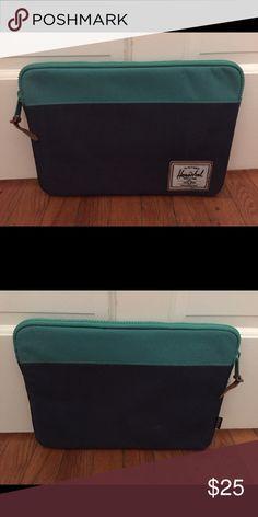 Herschel computer case Gently used. Herschel Supply Company Accessories Laptop Cases