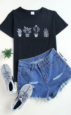 Black cactus print t-shirt. black cactus print t-shirt girls summer clothes Teen Fashion, Fashion Outfits, Womens Fashion, Fashion Clothes, Fashion Ideas, Fashion Shirts, Ootd Fashion, Clothes Women, Teen Clothing