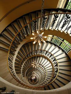 ღღ Magnificent staircase in Washington D. C.