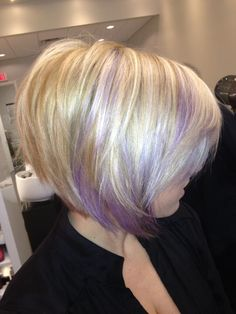 LOVE THIS BLONDE BOB WITH LILAC HIGHLIGHTS.  OOOLALA!!!  <3