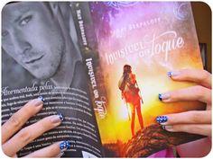 Confiram resenha do super livro Invisível ao Toque no De Livro em Livro: http://www.delivroemlivro.blogspot.com.br/2013/08/resenha-146-invisivel-ao-toque-de-nat.html
