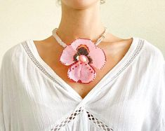 Pansy Beadwoven Necklace, Pink floral necklace, Beaded hand woven choker, Bridal wedding necklace, Pink bib jewelry, Bridesmaid necklace Bohemian Flowers, Floral Necklace, Pansies, Hand Weaving, Handmade Jewelry, Fashion Jewelry, Chokers, Jewelry Making, Bridesmaid