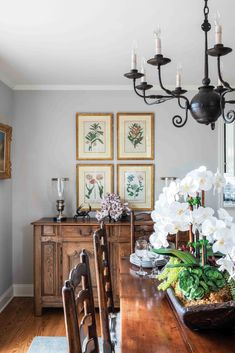 Coastal Cottage, Coastal Homes, Desk Nook, Victoria Magazine, Traditional Decor, Beautiful Space, Hand Coloring, Table Settings, Gallery Wall